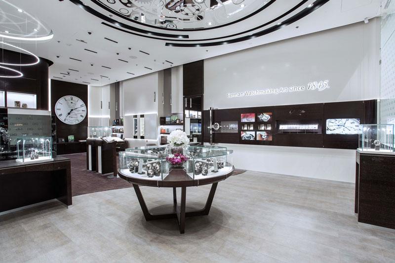 Glash tte original premieres new design for dubai boutique for Dubai boutique